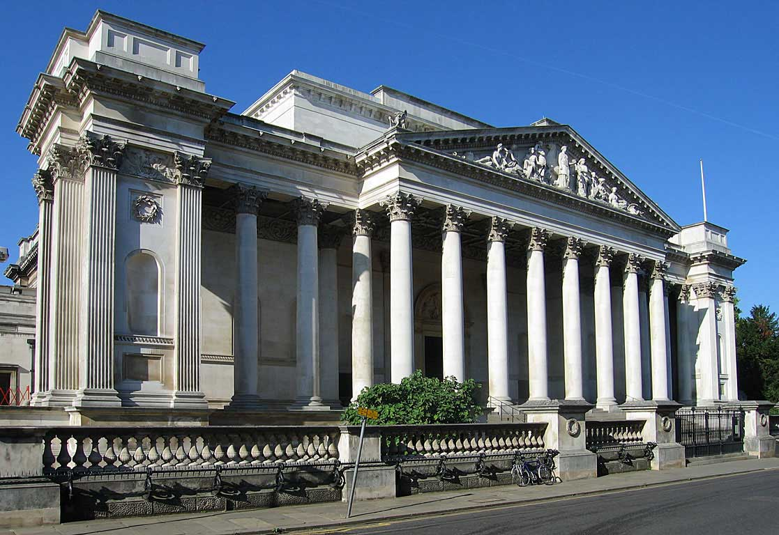 Cassical facade of the Fitzwilliam Museum