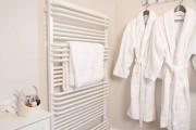 Allium Room Bathroom Detail